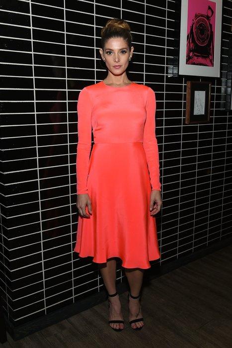 Ashley Greene: Leuchtfarbe