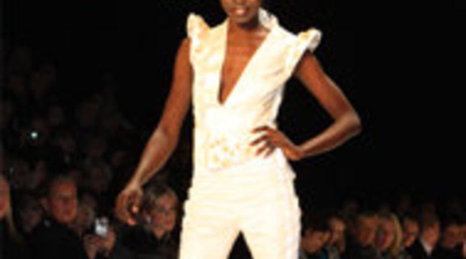 GNTM 2010: Wer hat den Brautanzug getragen? Alek Wek oder Alisar?
