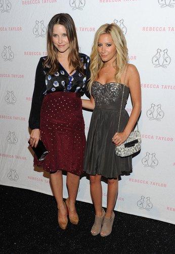Sophia Bush und Ashley Tisdale.