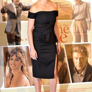 Penelope Cruz findet sich über Schuh-Charakterstudie in Rollen ein