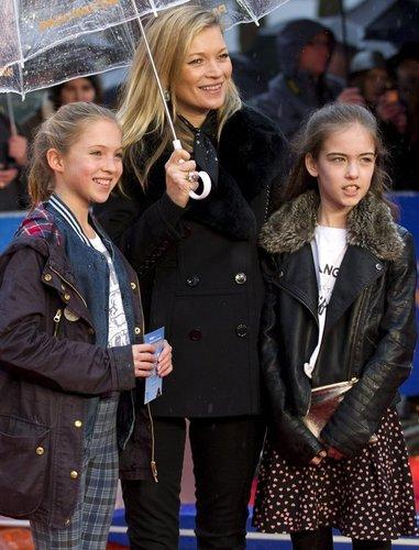 Kate Moss bei einer Filmpremiere