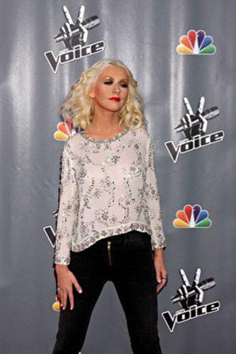 Christina Aguilera wird immer mehr zur XS-Tina. War sie Anfang des Jahres noch üppig kurvig, dürfte an ihrem Körper inzwischen kein Gramm Speck mehr zu finden sein.