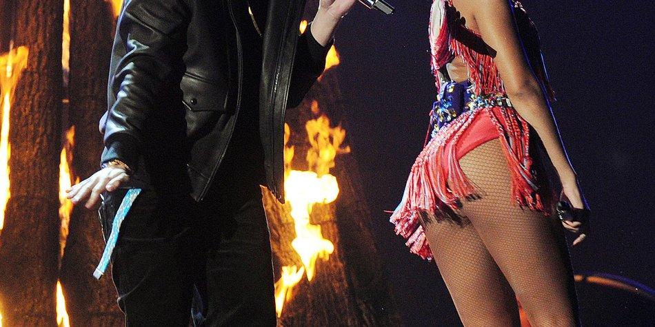 Rihanna feiert mit Drake