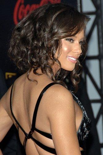 Alicia Keys mit lockigem Bob