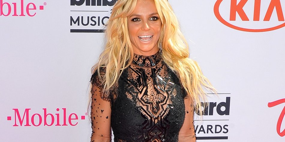Britney-Spears_Allen-Berezovsky_GettyImages-534221340
