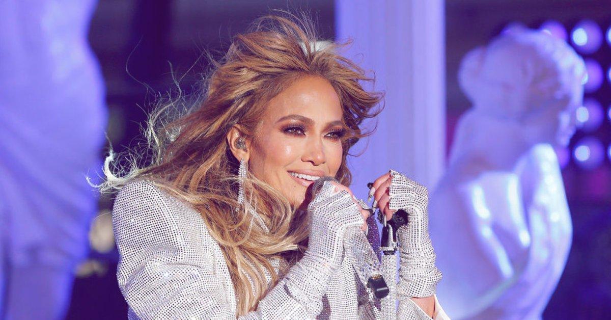 Jung-aussehen-wie-Jennifer-Lopez-Das-sind-ihre-5-geheimen-Tricks
