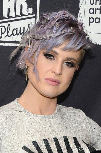Kelly Osbourne: Lila Undercut