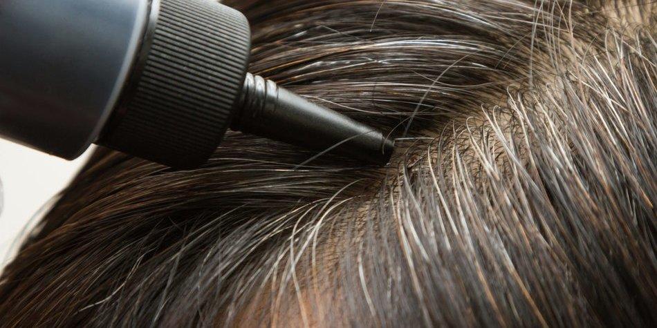 Graue Haare tönen