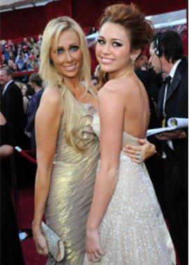 Miley Cyrus und Tish Cyrus: Hier bei den Oscars