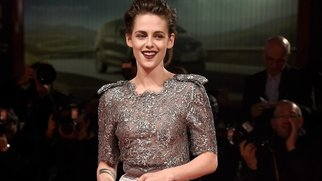 VENICE, ITALY - SEPTEMBER 05: Kristen Stewart attends the premiere of 'Equals' during the 72nd Venice Film Festival at the Sala Grande on September 5, 2015 in Venice, Italy. (Photo by Ian Gavan/Getty Images)