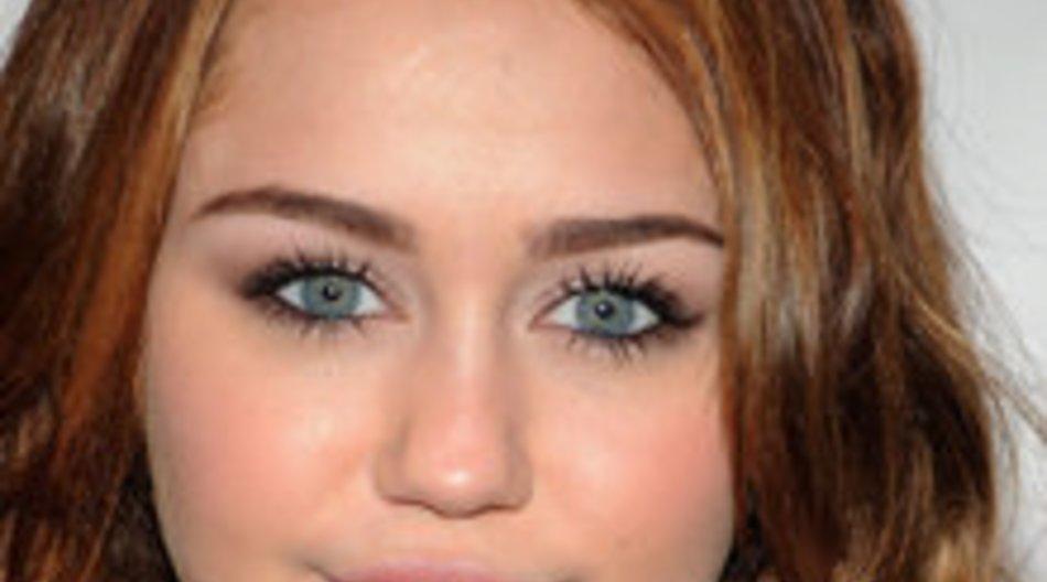 Miley Cyrus mit Schmetterlingen im Bauch