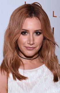 Ashley Tisdale: Roter Long Bob