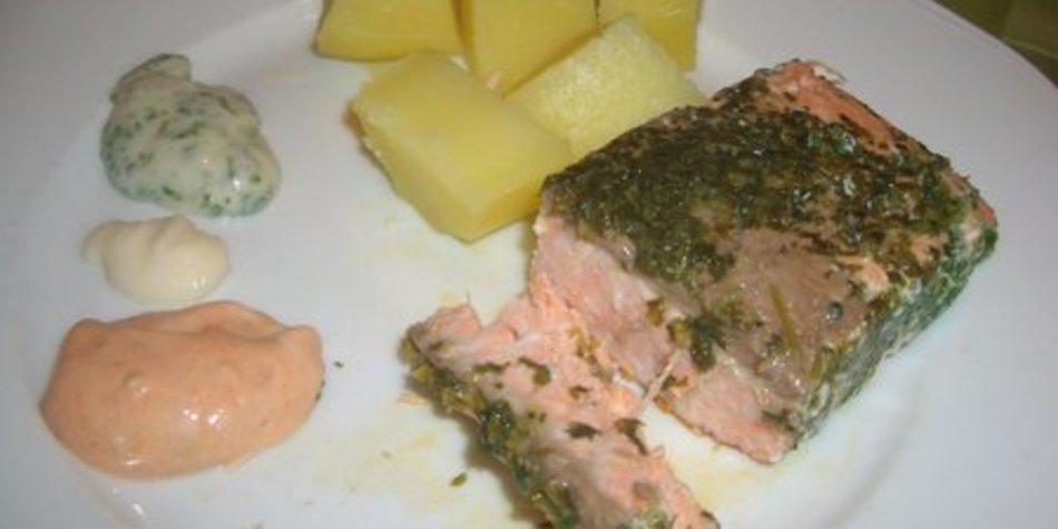 Gedünsteter Lachs (ohne Salz) mit Dip und Salzkartoffeln