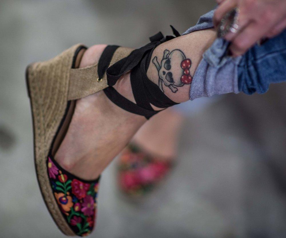 Weiße Tattoos Der Etwas Andere Tattoo Trend Desiredde