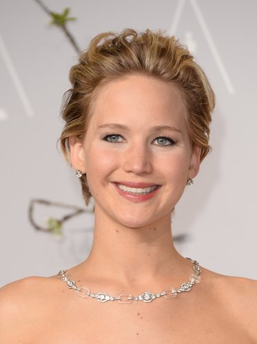 Jennifer Lawrence: Nach hinten gefönter Pixie Cut