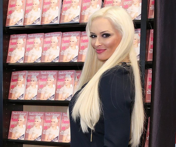 COLOGNE, GERMANY - MAY 10: Daniela Katzenberger presents her new book 'Eine Tussi speckt ab: Tipps, Tricks und das perfekte Katzenfutter fuer die Traumfigur' on May 10, 2017 in Cologne, Germany. (Photo by Florian Ebener/Getty Images)
