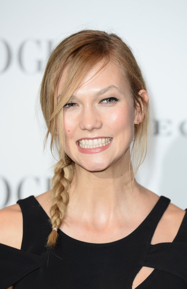 LONDON, ENGLAND - FEBRUARY 09:  Karlie Kloss attends at Vogue 100: A Century Of Style at the National Portrait Gallery on February 9, 2016 in London, England.  (Photo by Jeff Spicer/Getty Images)
