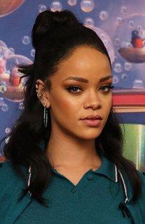 Rihanna: Messy Halbzopf
