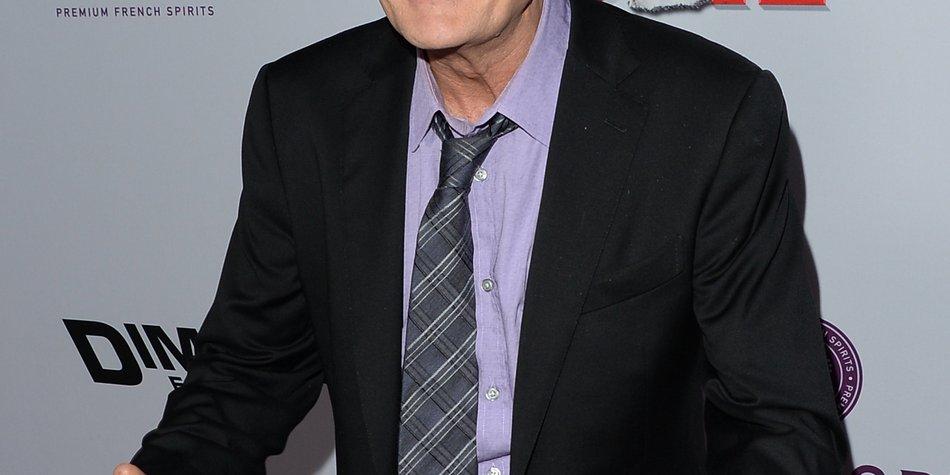 Charlie Sheen: Geld statt Eiswasser!