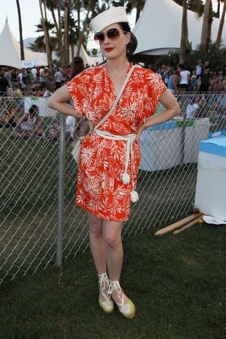 Dita van Teese beim Coachella-Festival