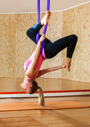 Aerial Yoga im Tuch