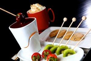 Erdbeeren, Kiwis oder Plätzchen: Zu Schoki passt so einiges!
