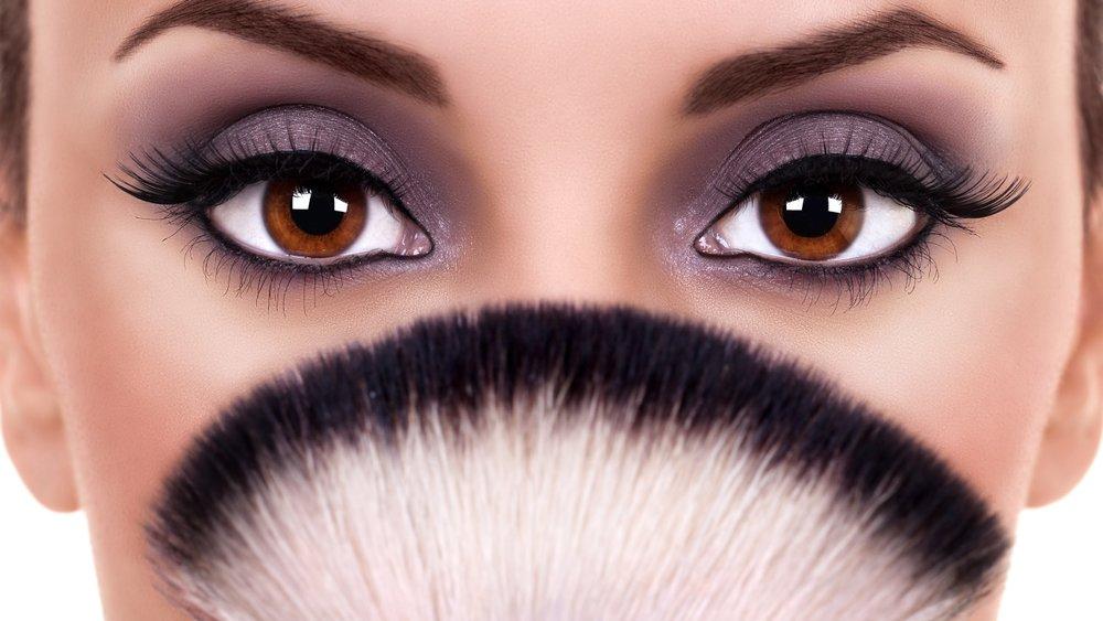 Braune Augen schminken