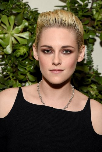 Kristen Stewart: Slicked Back Look