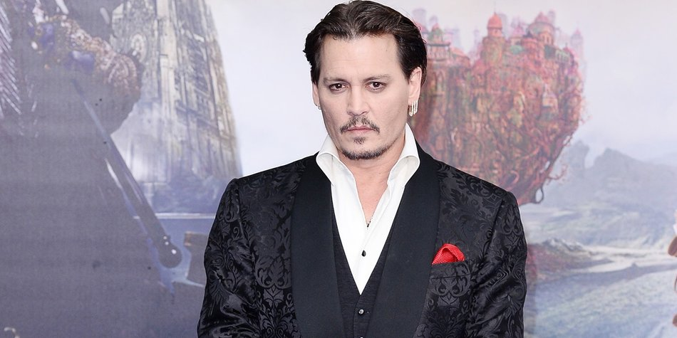 "LONDON, ENGLAND - MAY 10: Johnny Depp attends the European premiere of ""Alice Through The Looking Glass"" at Odeon Leicester Square on May 10, 2016 in London, England. (Photo by Jeff Spicer/Getty Images)"
