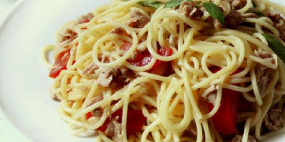 Spaghettisalat mit Knoblauch