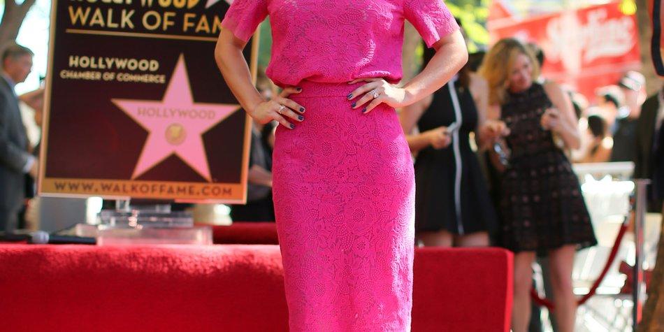 """Kaley Cuoco auf dem """"Walk of Fame"""" verewigt"""