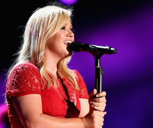 NASHVILLE, TN - JUNE 08: Singer Kelly Clarkson performs during the 2013 CMA Music Festival on June 8, 2013 at LP Field in Nashville, Tennessee. (Photo by Christopher Polk/Getty Images)
