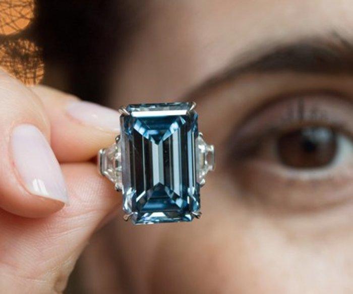 """Der berühmte Diamant """"Oppenheimer Blue"""" hat 14,62 Karat."""