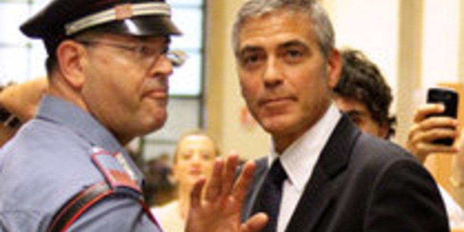 George Clooney musste vor Gericht erscheinen