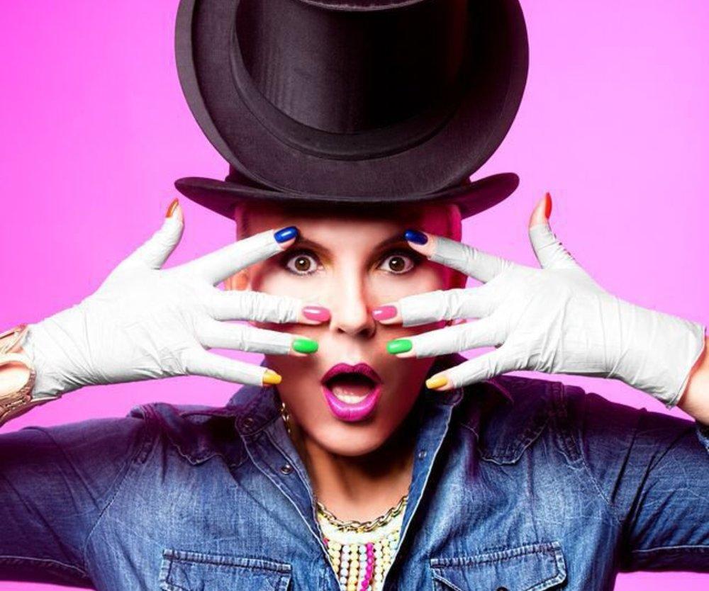 Natascha Ochsenknecht geht unter die Nagellackdesigner
