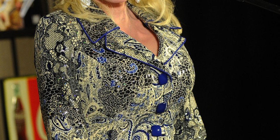 Dolly Parton stellt sich vor Miley Cyrus