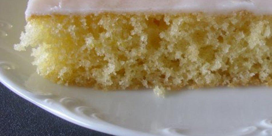 Luftiger Zitronenkuchen