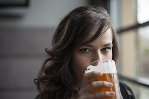 Selbst wenn noch keine Klarheit besteht, solltest Du Alkohol meiden.