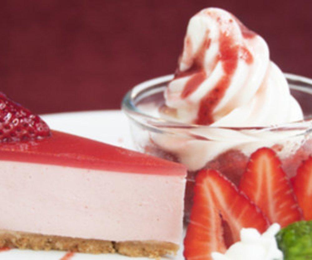 Erdbeerkuchen mit Vanillepudding und VERPOORTEN ORIGINAL Eierlikör