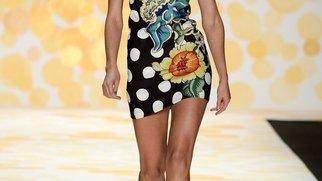 New York Fashion Week: Desigual treibts bunt