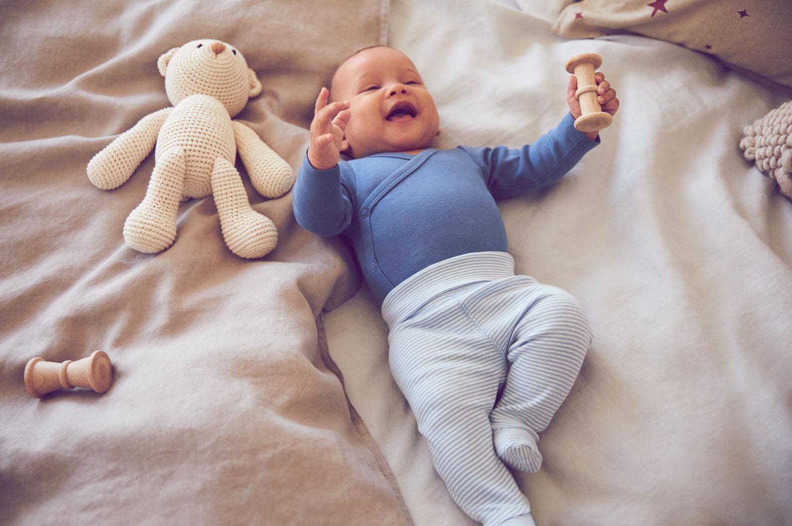 H&M Newborn-Kollektion lässt Herzen werdender Mamis höherschlagen   desired.de