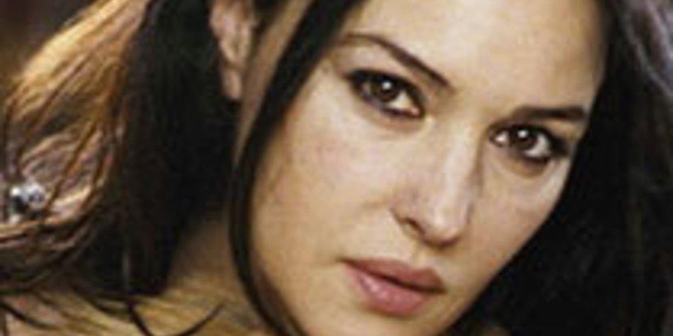 Monica Belucci: Sinnlichkeit auf 240 Seiten