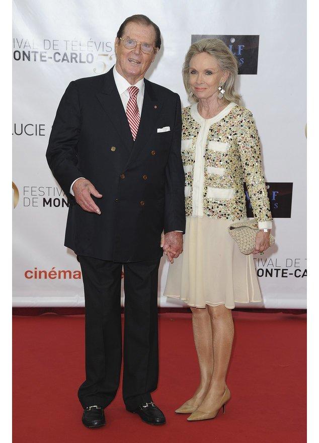 Roger Moore und Kristina Tholstrup.