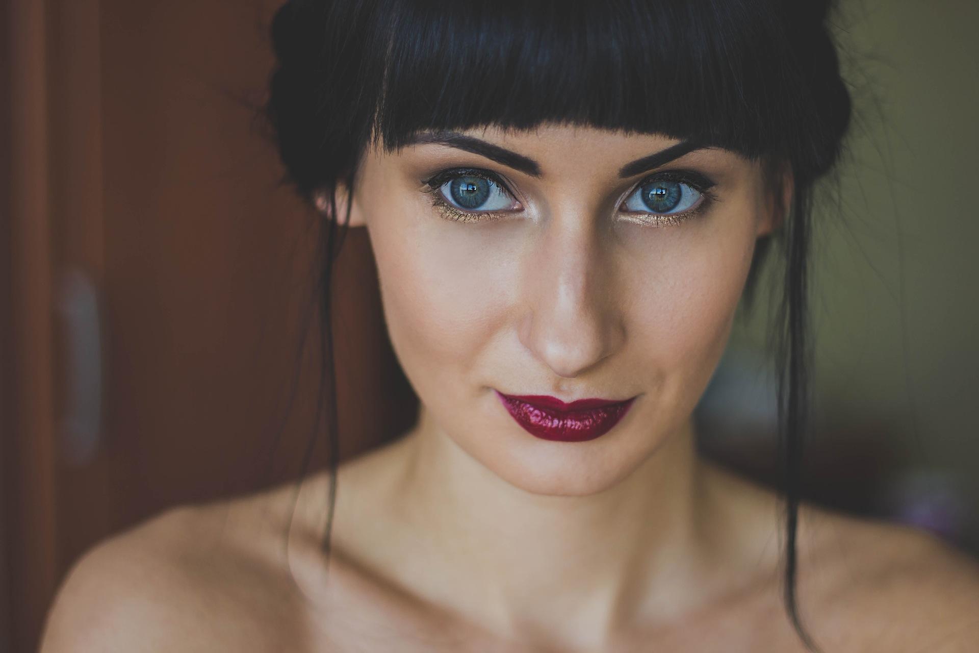 Perfekt ... Schlafzimmer Augen Schminken By Make Up Blaue Augen Braune Haare  Grafiken ...