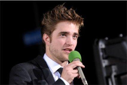 Robert Pattinson: bald Sänger