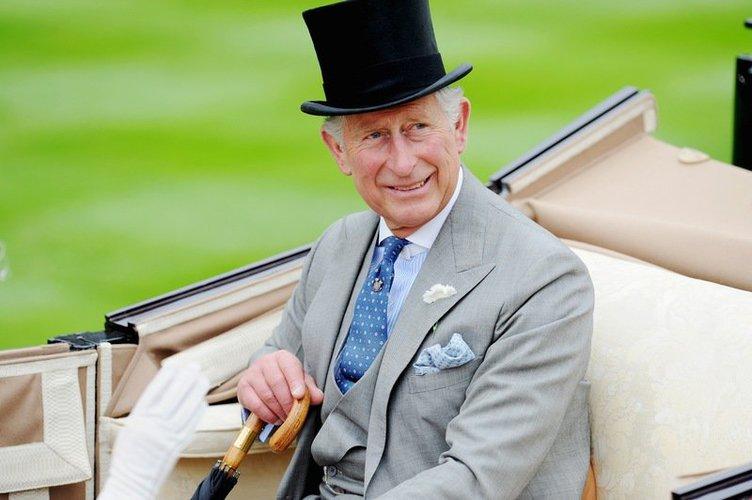 Prinz Charles mit Zylinder