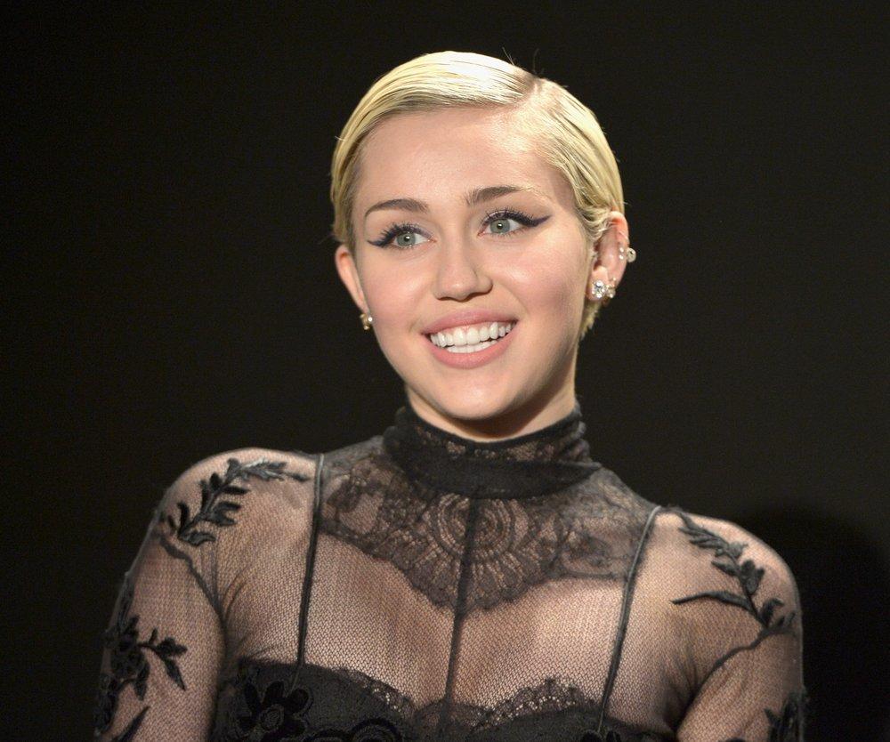 Miley Cyrus und Patrick Schwarzenegger turteln noch!