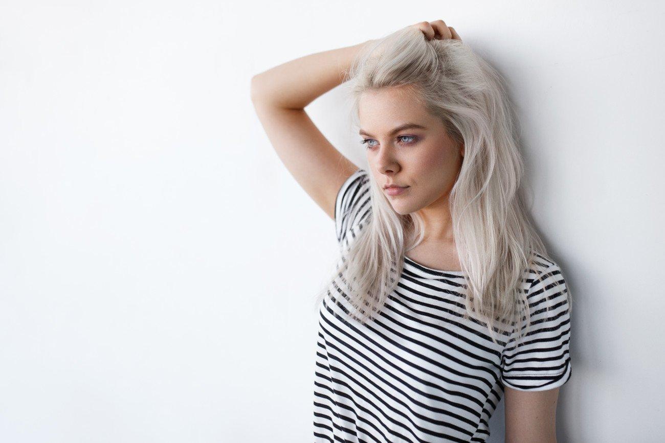 Haare grau färben - Look