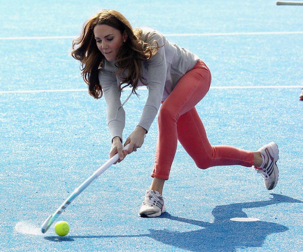 Kate Middleton spielt Hockey