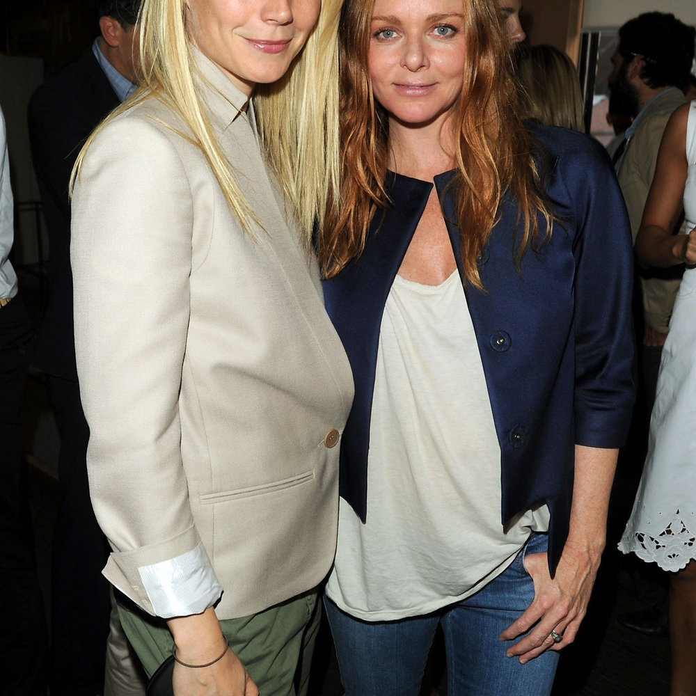 Gwyneth Paltrow küsst Stella McCartney